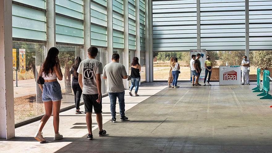 Sacyl cerrará el vacunódromo de Ifeza en Zamora