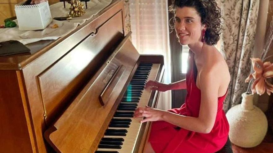 Saray, la pianista invidente que no cree en las barreras