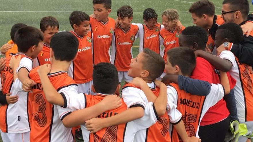 El Acodetti celebra su título y ascenso en la última jornada