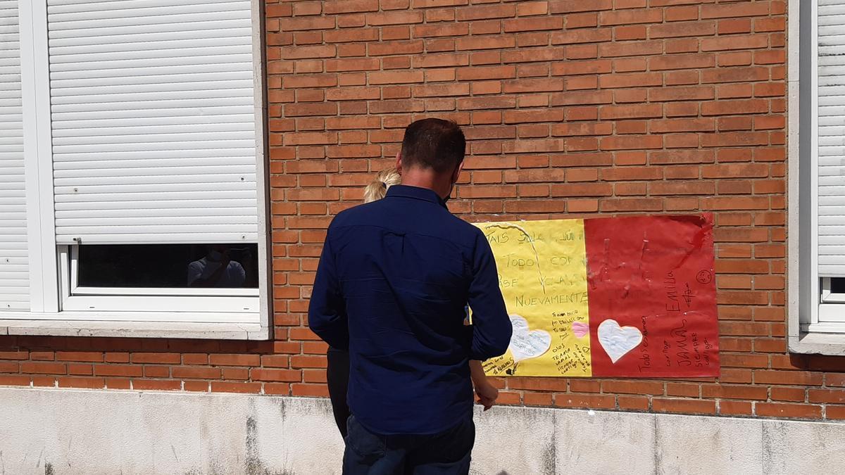 Un cartel de apoyo al joven agredido en Amorebieta.