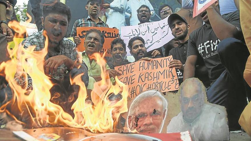 India juega con fuego al enfurecer a Pakistán por su plan con Cachemira