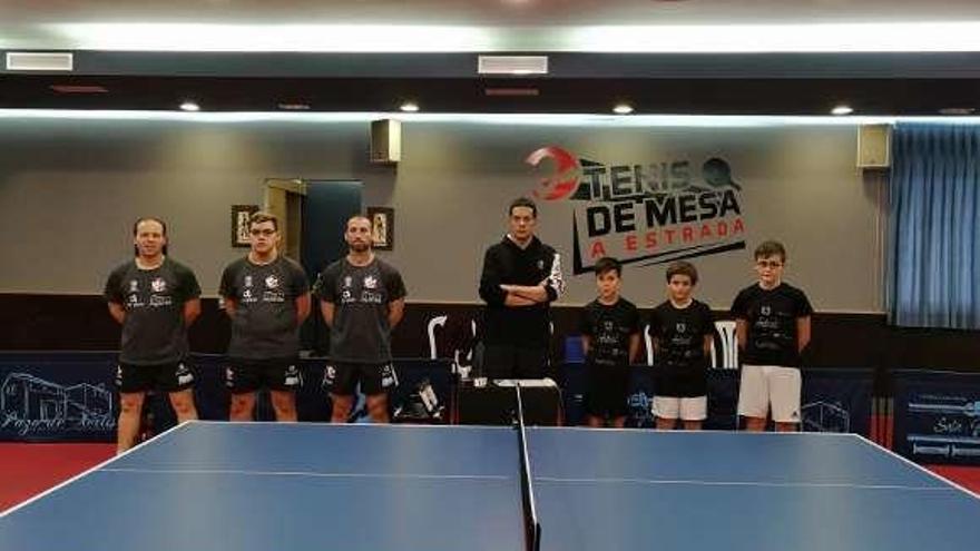 Derrotas en casa de los clubes de tenis de mesa de Lalín y A Estrada
