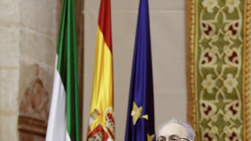 La financiación abre el fuego entre PSOE y C's en plena celebración del 28-F