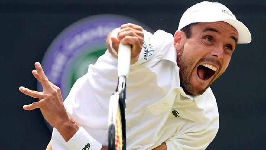 Djokovic pone fin al sueño de Bautista en Wimbledon