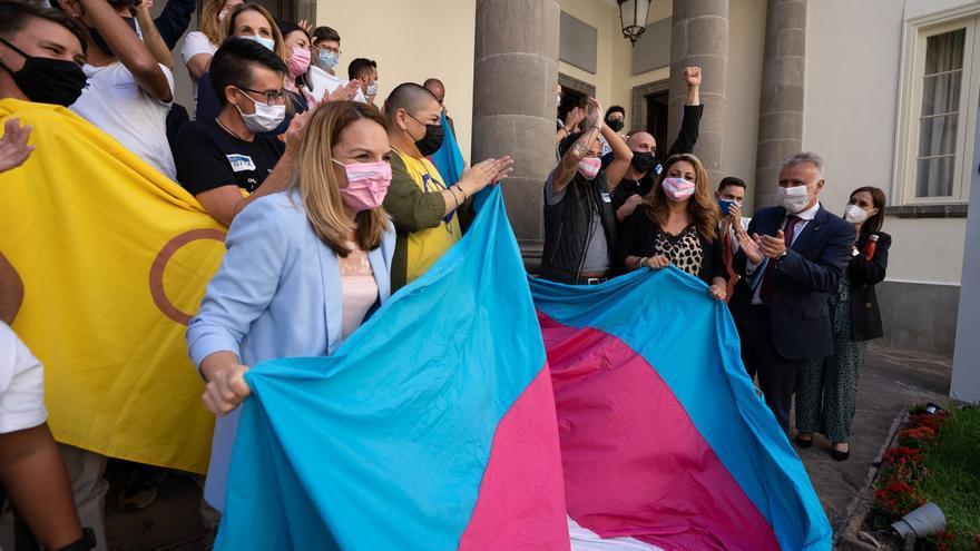 Canarias aprueba unánimemente la autodeterminación de la identidad de género