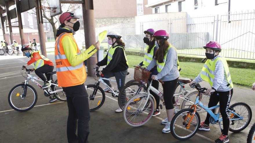 Cuando la bici va a la escuela: el colegio Cervantes de Gijón conciencia a sus alumnos en el uso de la bicicleta