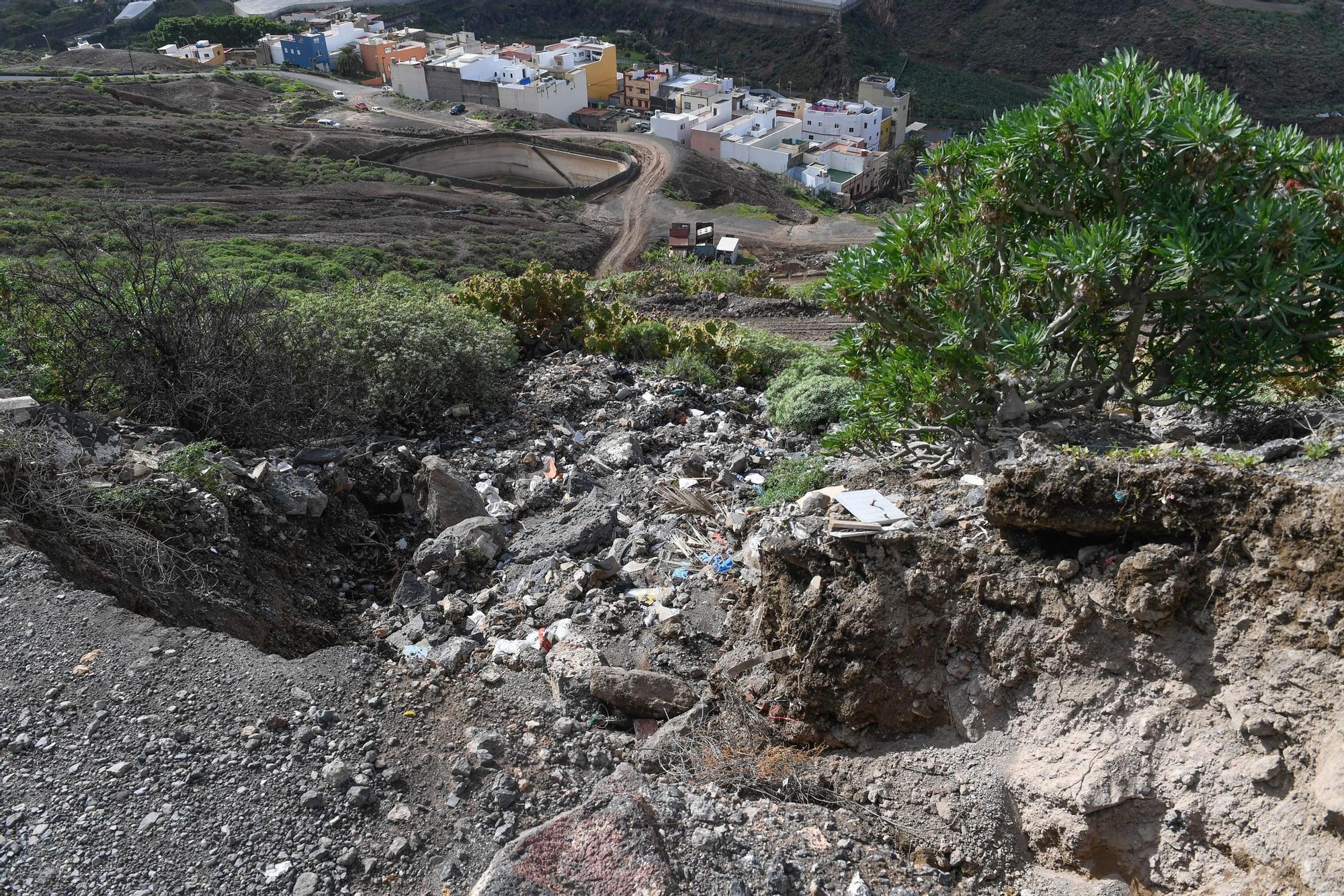 Desprendimientos en el barrio de Ladera Alta por las últimas lluvias