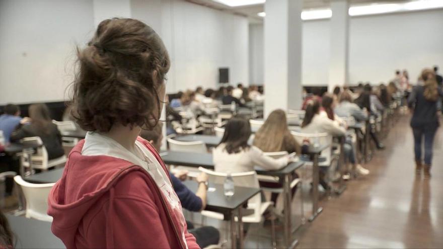 La Fundación Amancio Ortega beca a tres estudiantes de Baleares