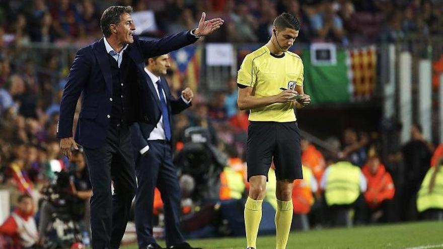 Míchel, insultado en el Camp Nou