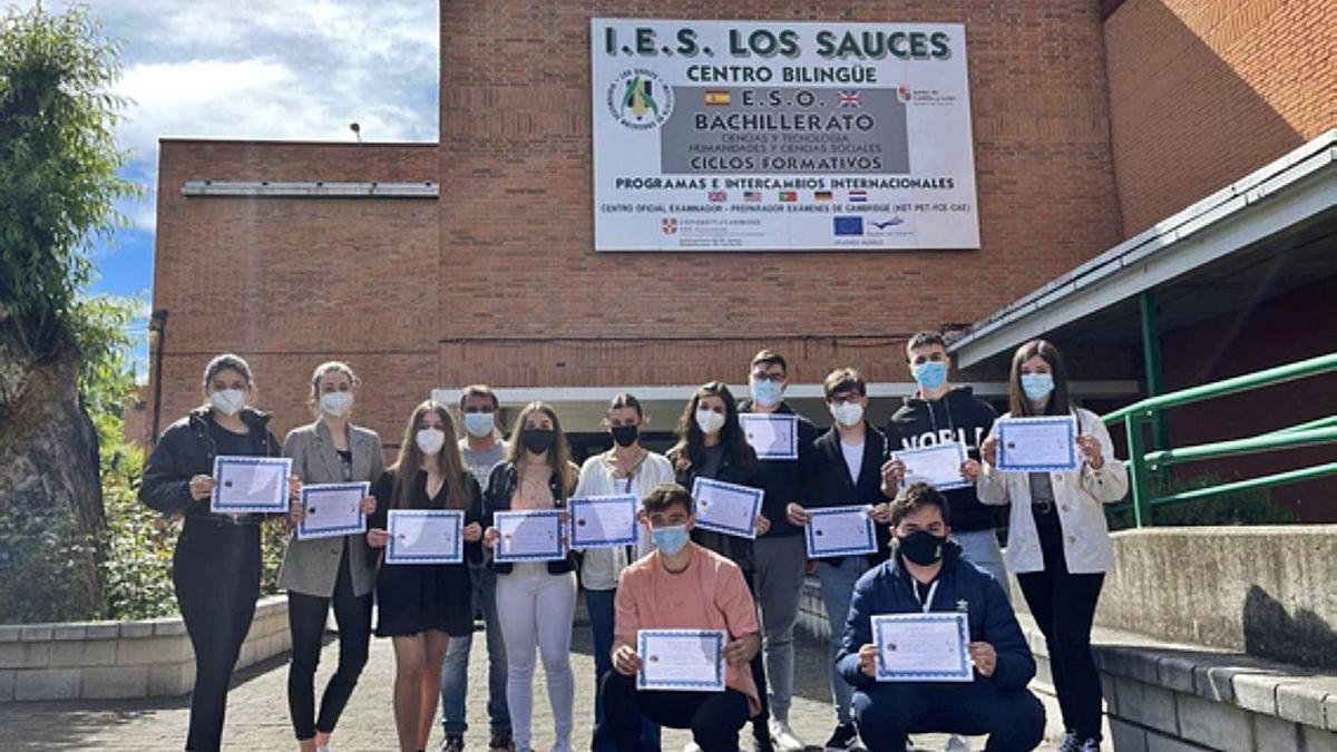 Los 13 alumnos cuyos trabajos fueron premiados en el concurso de cortos. | FOTO CEDIDA