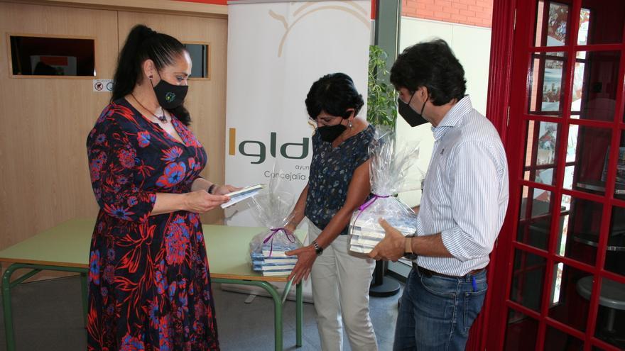 500 libros de poesía para los institutos de Lorca