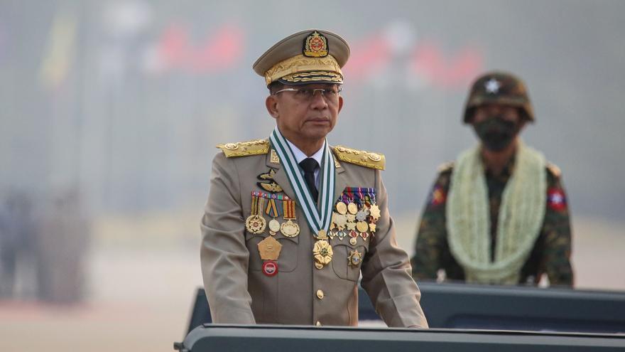La Junta militar de Myanmar promete elecciones durante un desfile de las Fuerzas Armadas