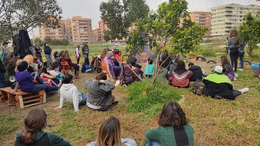 El 8M arranca con las acciones de la Assemblea Feminista de València