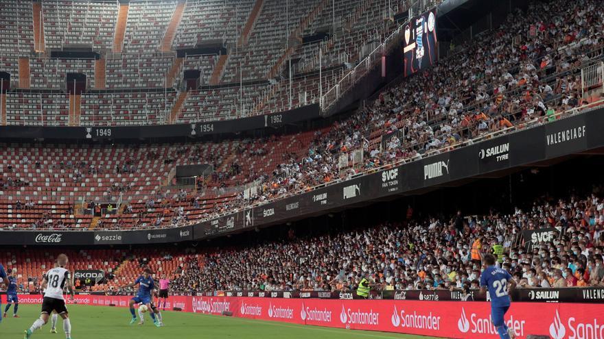 La Generalitat Valenciana elimina el número máximo de espectadores en los estadios de fútbol