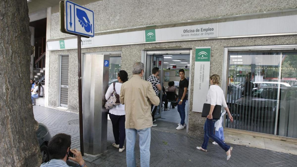 El paro sufre su segunda mayor subida en Córdoba en tres lustros