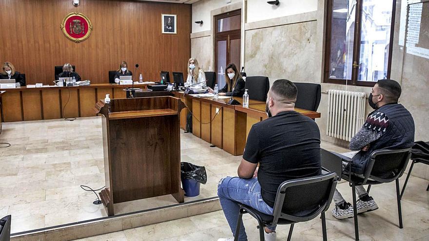 La fiscal asegura que la víctima de la violación sufrió «intimidación ambiental»