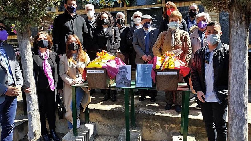 Las familias de dos fusilados de Ontinyent recuperan sus restos