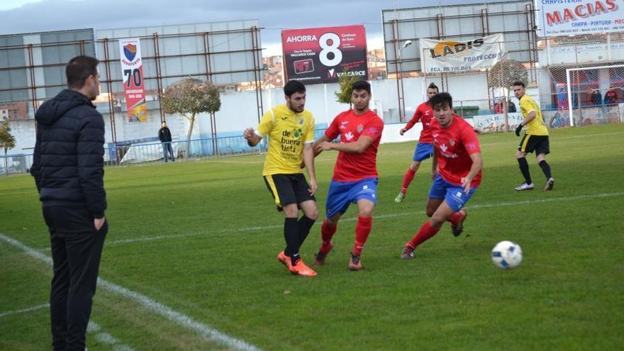 El Benavente golpea al Navarrés (0-3)