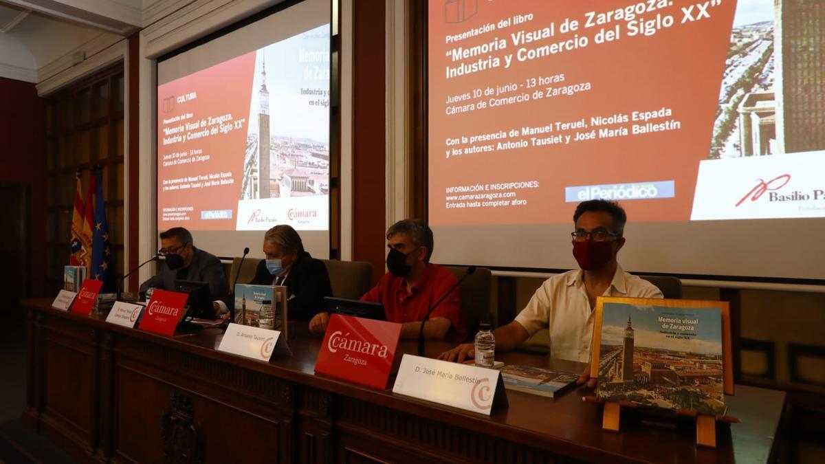 Industria y comercio en el siglo XX, nueva entrega de la colección Memoria visual de Zaragoza.