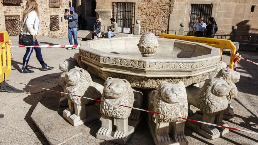 ¿De qué está hecha la fuente de los leones de 'Juego de tronos'?