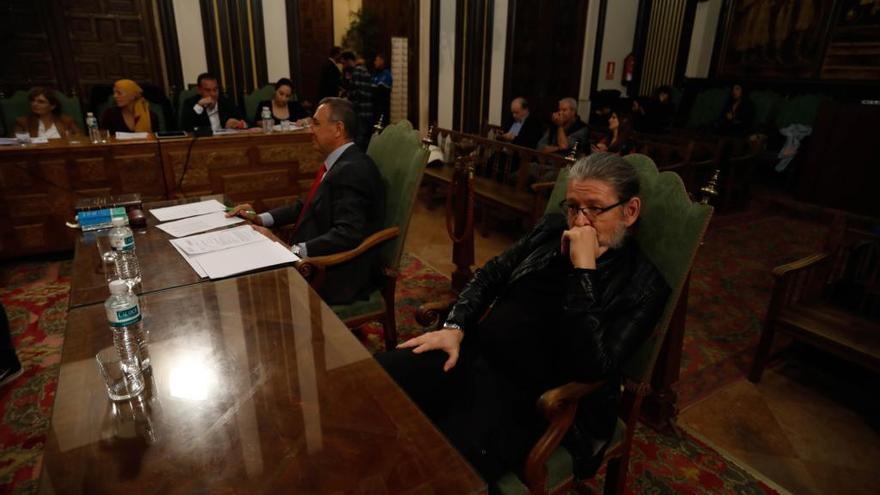 El interventor durante un Pleno en el Ayuntamiento de Zamora.