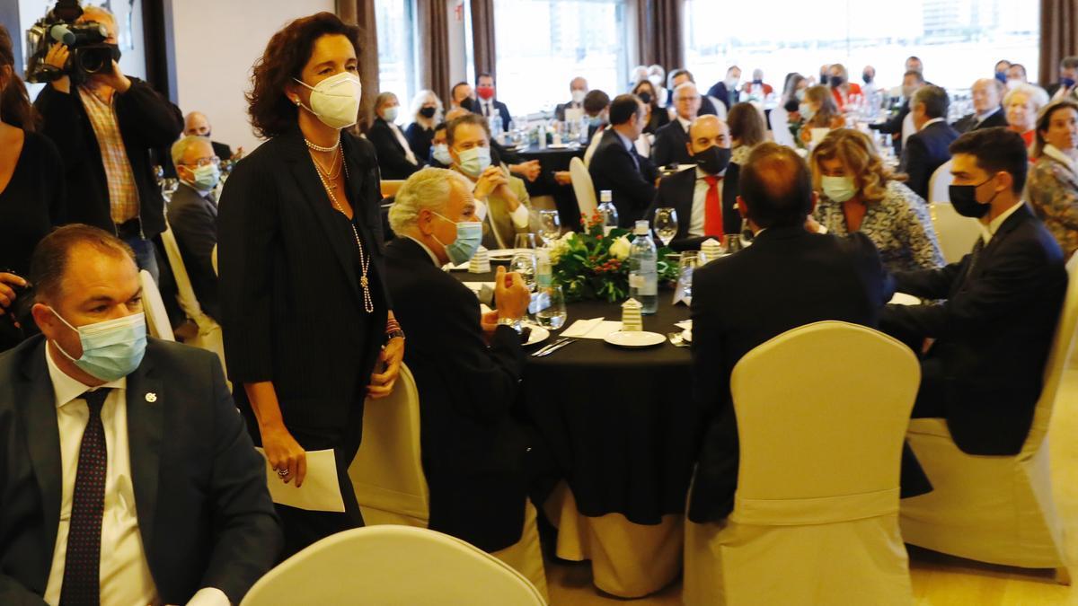 Cecilia Alvargonzález recibe el premio a la Gijonesa del año