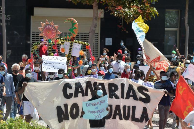 Concentración 'Canarias no es una jaula'