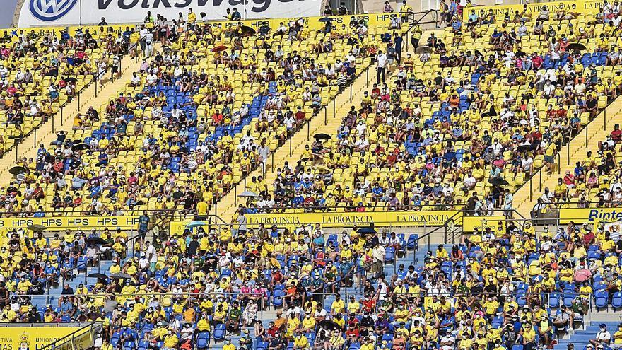 El Estadio de Gran Canaria, del fervor al bajonazo  con récord de espectadores