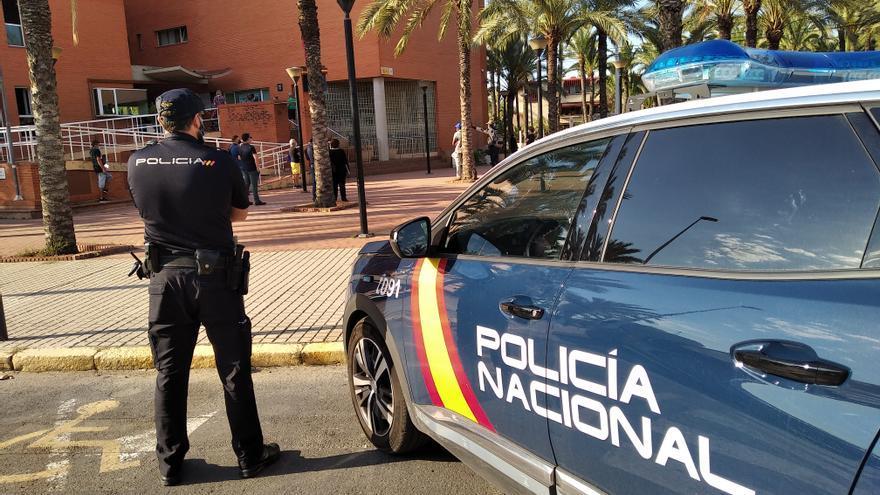 Dos detenidos por un robo con violencia a un discapacitado en Elche