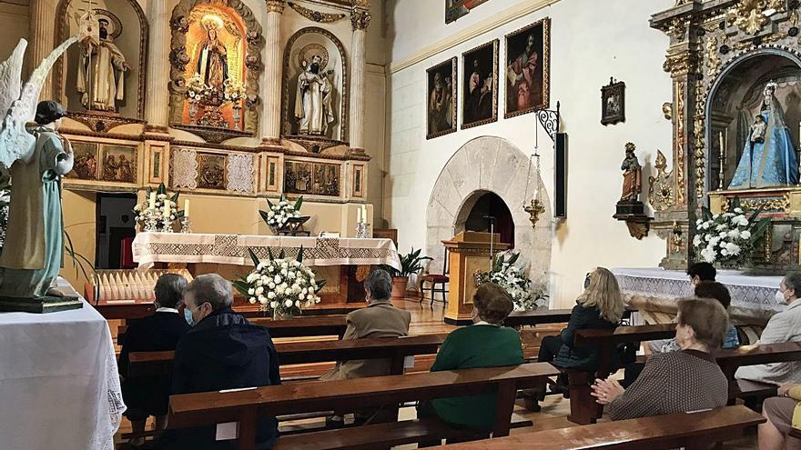 Toro honra a la Virgen de la Merced con una misa