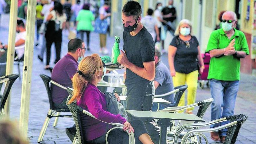 """Tenerife reclama un plan de rescate ante las restricciones para evitar la """"ruina"""""""