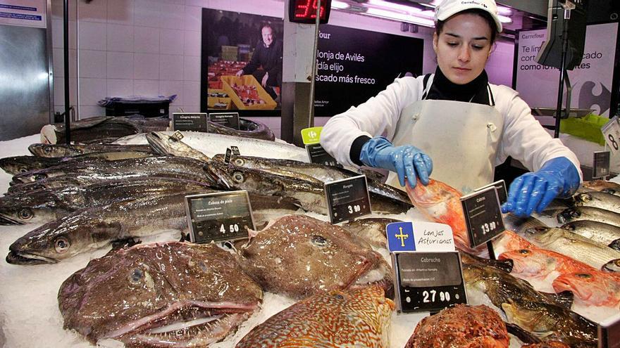 La canadiense Couche-Tard plantea la compra de Carrefour, con 1.100 empleos en Asturias