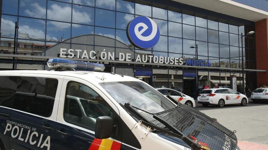 Interceptan en Murcia un autobús con cuatro pasajeros con posible coronavirus