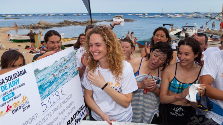 L'Oncoswim ja ha recaptat 12.600 euros per a la recerca del càncer de mama