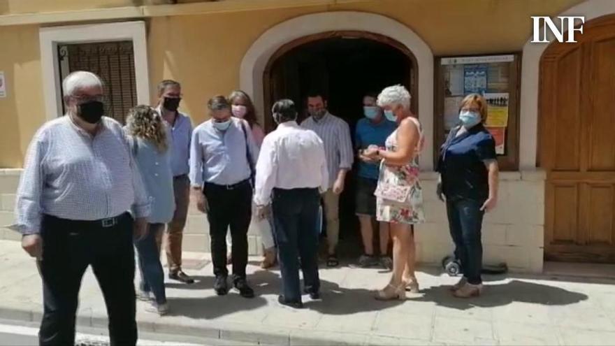 """Momentos de tensión tras la moción de censura en La Torre de les Maçanes: """"Doneu més pena que fàstic"""""""