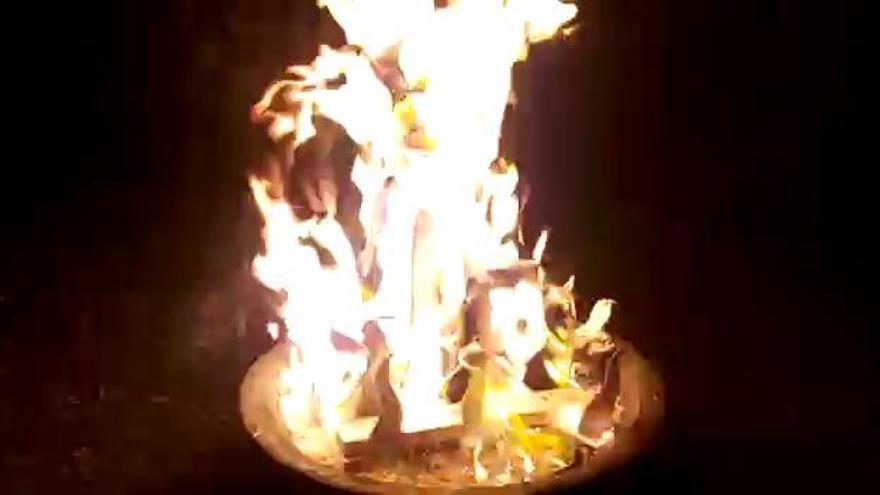 Un alicantino quema una hoguera en Chile a 0 grados