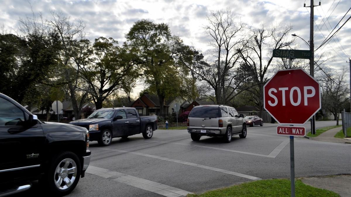 1 de cada 3 conductores no ve con nitidez las señales viales, según Essilor