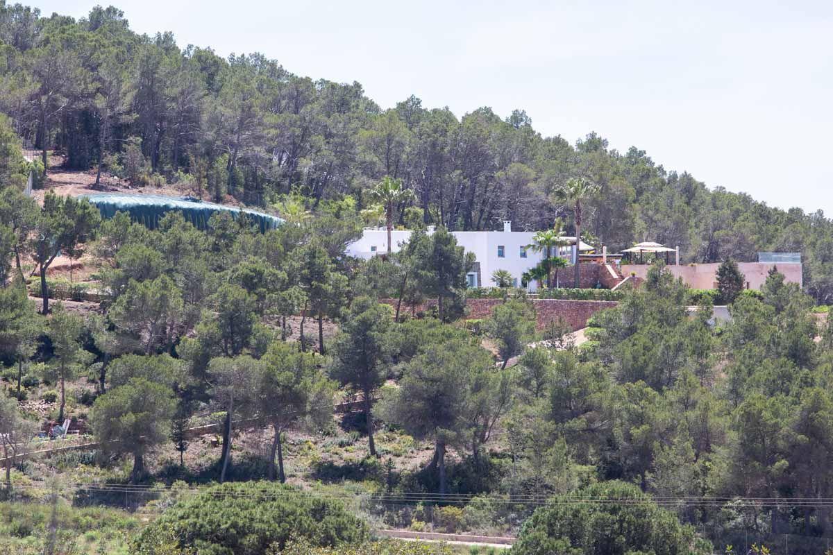 Paralizadas las obras de un desmonte sin permiso en Santa Gertrudis