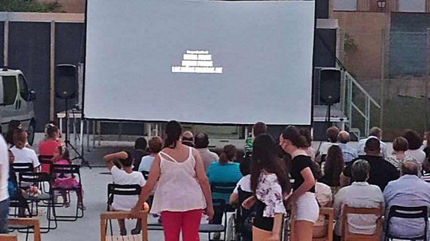 Una sesión de cine con 'Las Niñas' abre las actividades veraniegas