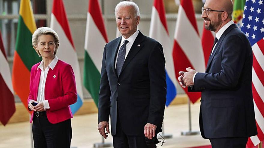 Els EUA i la UE paralitzen 5 anys els impostos sobre algunes exportacions