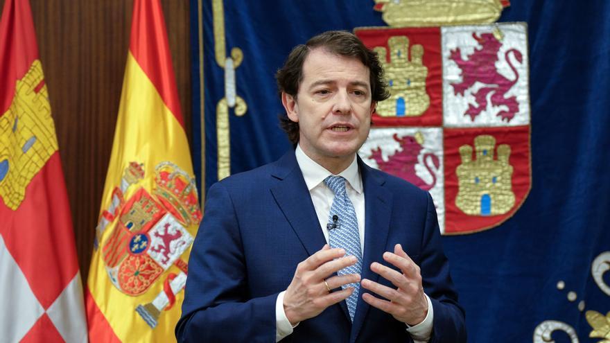Mañueco defiende que las restricciones COVID en Madrid benefician a la salud de Castilla y León