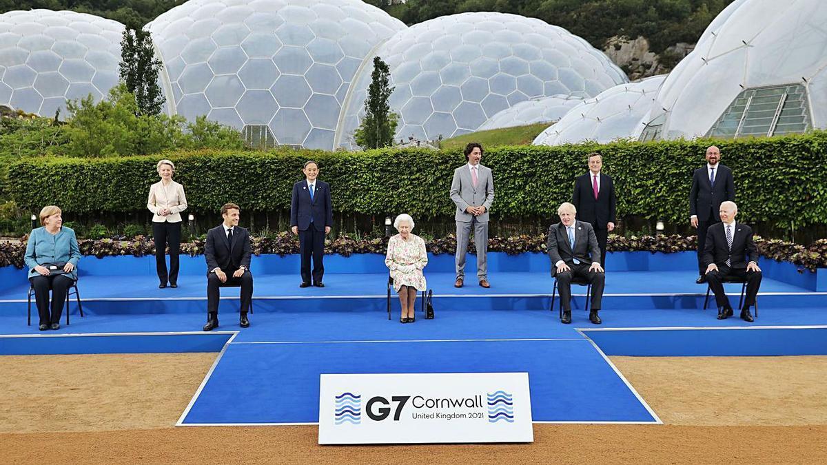 Foto de família dels líders del G7 que participen en la cimera de Cornualla. | EUROPA PRESS