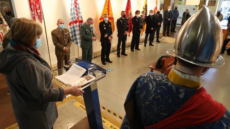 Diversión con banderas en Avilés: una muestra recopila enseñas históricas nacionales