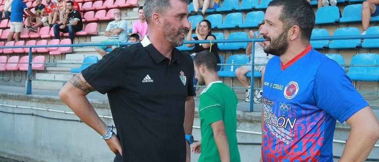 Jon Pérez y Fernándo Currás, en buena sintonía, minutos antes del inicio del partido. // Iñaki Osorio