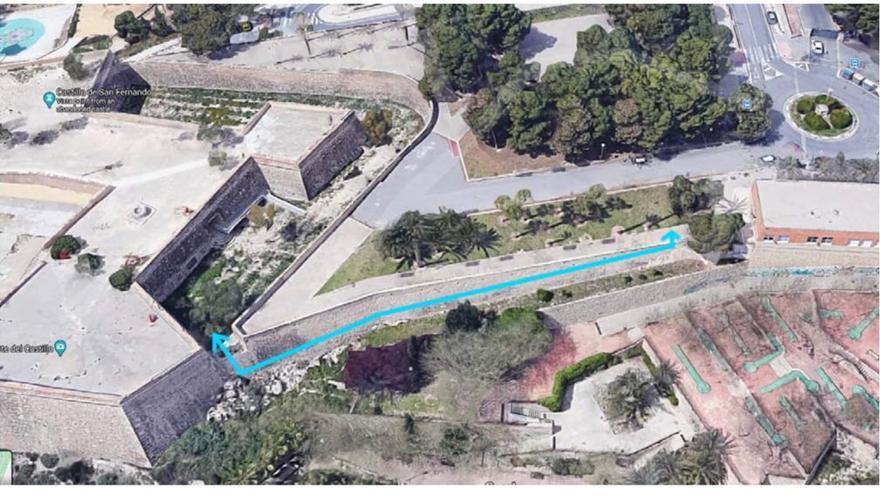 Nueva pasarela peatonal exterior de acceso al Castillo de San Fernando