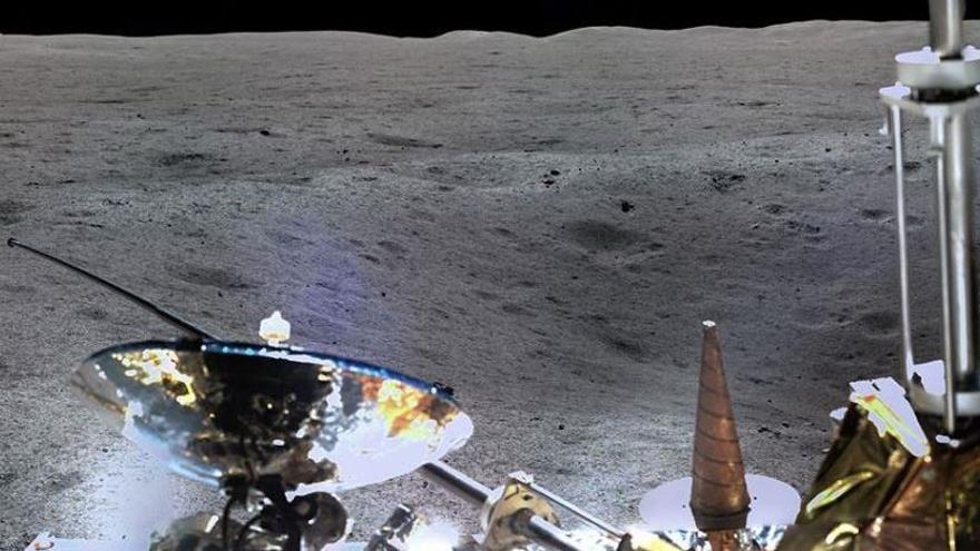 La sonda china Chang'e 4 despliega antenas en la Luna para 'escuchar el Big Bang'