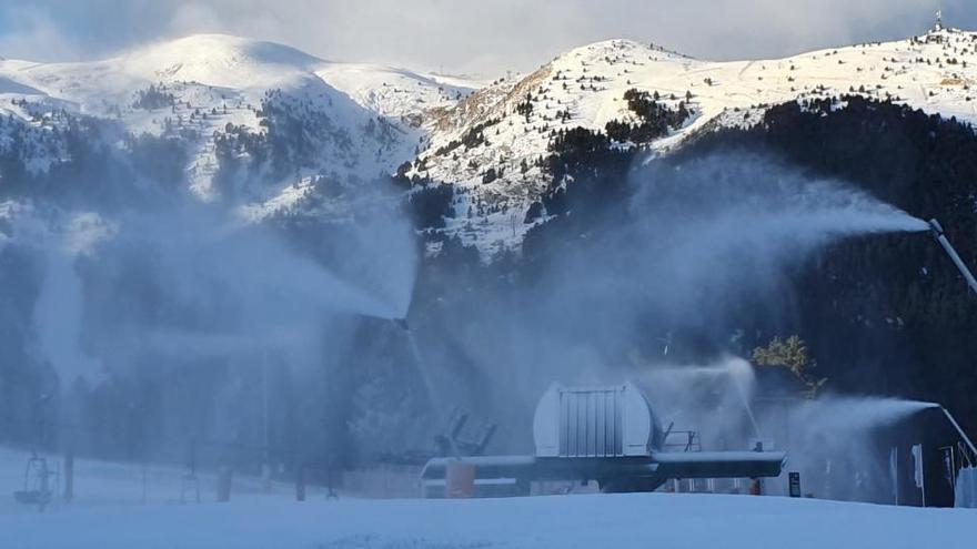 Les estacions d'esquí gironines estan a l'espera del desconfinament comarcal per poder obrir