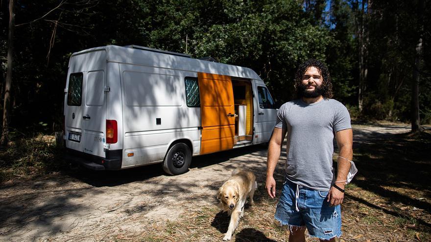 Las furgonetas no son (solo) para el verano: así es vivir todo el año sobre cuatro ruedas en Galicia