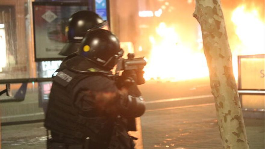 Imputats dos mossos per la pèrdua d'un ull arran d'un projectil de 'foam'