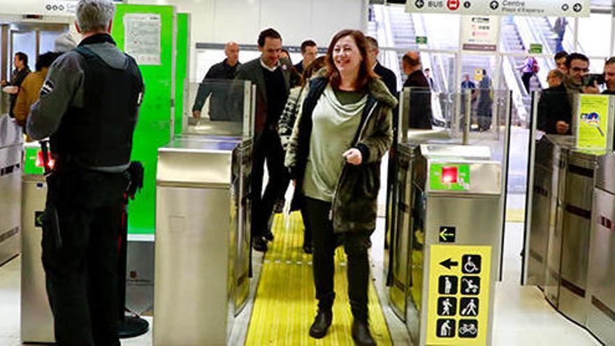 Mallorca weiht E-Züge auf der Strecke nach Manacor ein